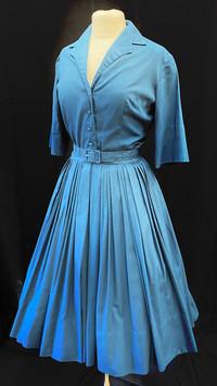 Chest 36 - blue button down full skirt.j