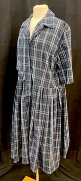 Chest 44 - Plaid short sleeve day dress.