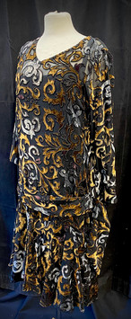 Chest 38 - Black gold and silver pattern