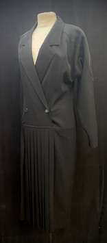 chest 36 waist 30 20s black day dress