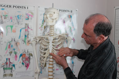 Dr. Philip LaPierre of the Pain Resolution Centre demonstrates how he would treat a primary restriction around the rib cage