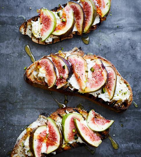 Figs on Toast.JPG