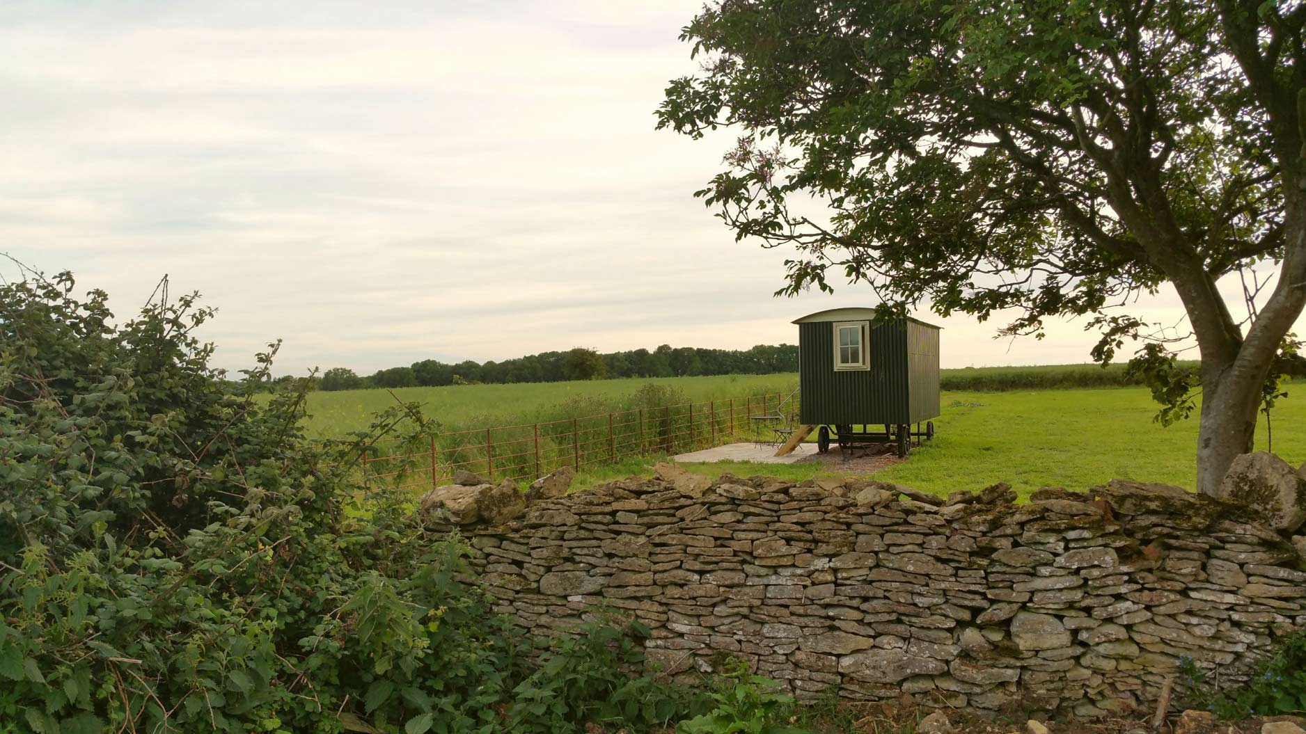 Outside-Shepherds-Hut-Bath-Somerset-3
