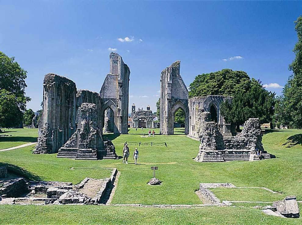 Glastonbury-Abbey