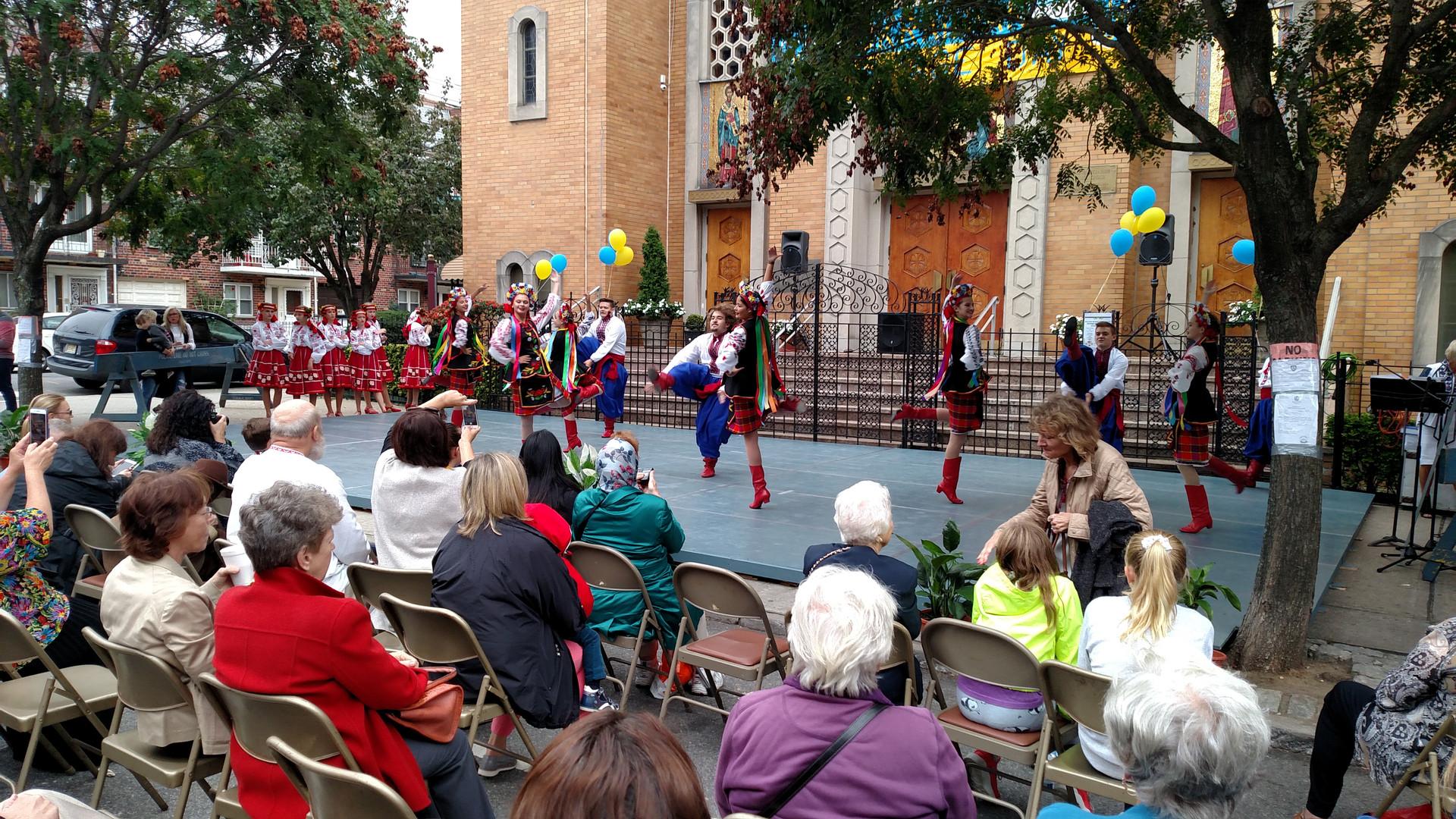Dancers Entertaining