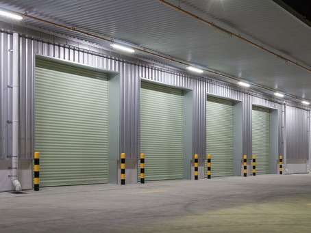 What to Consider When Choosing a Commercial Garage Door