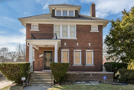4775 Iroquois Ave Detroit MI-large-037-0