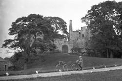 granton-castle-1920s-bicycles