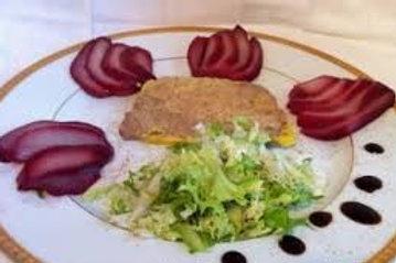 Foie gras de canard entier maison (60 g), poire rôtie au vin épicé