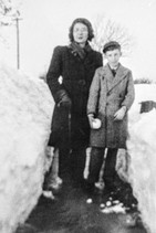 Snow drifts on Foxcote Hill 1947 - Flo Horne & Peter Cook
