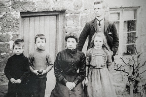 John Henry Sabin (Standing), Wife - Mary Eliza. L-R Charles, Frederick John and Mary Rosanne