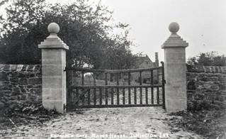 Entrance gate, manor house, Ilmington