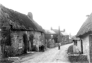 Thatched cottages in Ilmington. 1900s