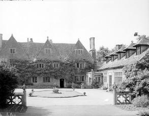 Ilmington manor house and tithe barn - 1948