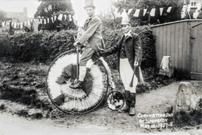 """Ted Freeman & George Hands. """"Pedler"""" Palmer from Stratfrord on Avon owned the penny farthing"""