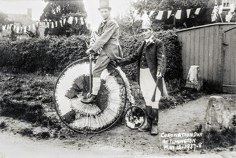 "Ted Freeman & George Hands. ""Pedler"" Palmer from Stratfrord on Avon owned the penny farthing"