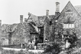 Ilmington manor from Middle street - Built 1651 app.