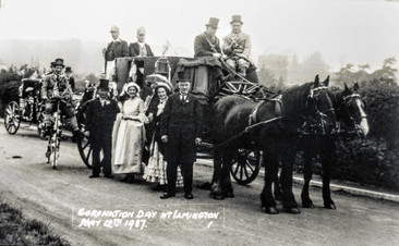 This coach was borrowed from the Shirley family at Ettington Park. Back, Sam Handy with the bicycle, Ted Freeman top right. Bert Wyton, Jim Handy standing. Jack Handy, the two Misses Parker, Len Garrett