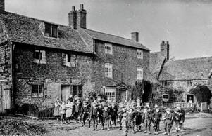 1911 School sports day