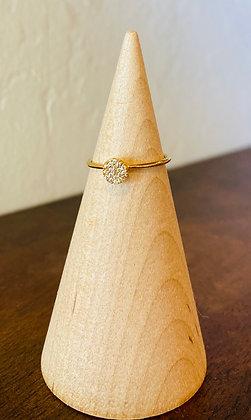 Tai disc ring in gold