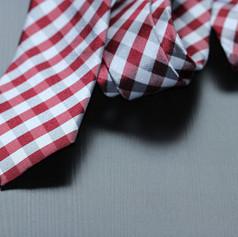 """עניבה מדגם """"שיוויונית במשרד"""""""