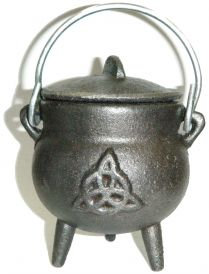 Cast Iron Cauldron with Lid, Triquetra 3.5 Inches
