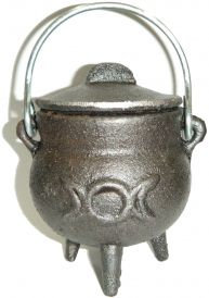 Cast Iron Cauldron with Lid, Moon 3.5 Inches