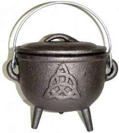 Cast Iron Cauldron with Lid, Triquetra 4.5 Inches