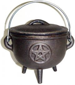 Cast Iron Cauldron with Lid, Pentacle 4.5 Inches
