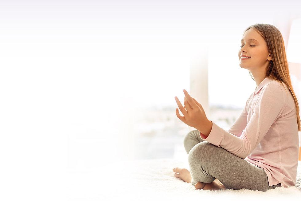 Adolescente en méditation