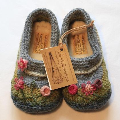Sea Pinks Feet Snuggies / Slippers