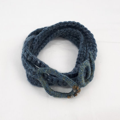 Ynys Fydlyn Light crocheted Neck Tangle