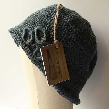 Ynys y Fydlyn Bell Style Hat