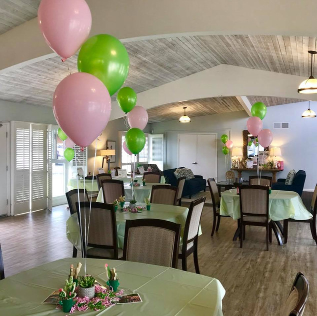 VB Balloon Bouqet Centerpieces-Green-Pin