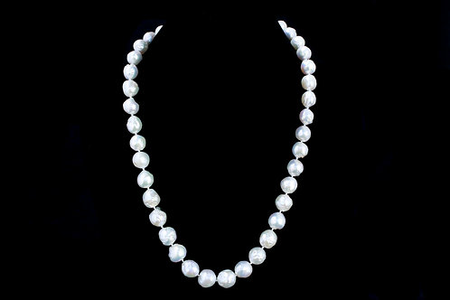 "22 1/2"" Fresh Water Pearl Necklace"