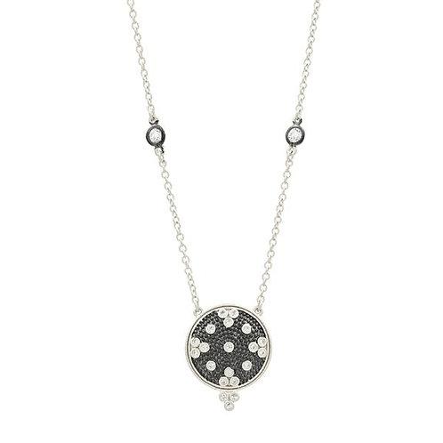 Signature Clover Disk Pendant Necklace