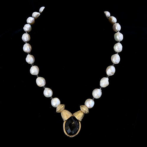 Vintage Pearl Necklace with Topaz Center