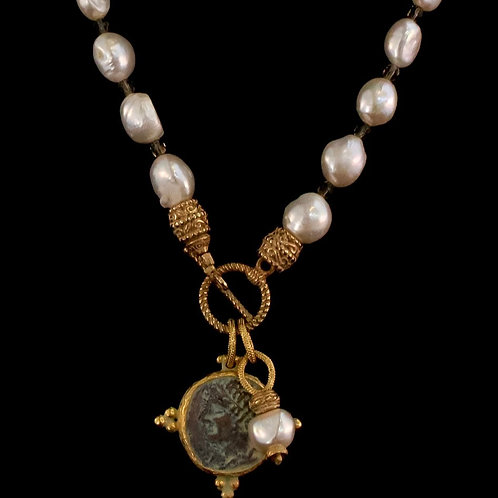 Pearl Necklace with Dark Coin