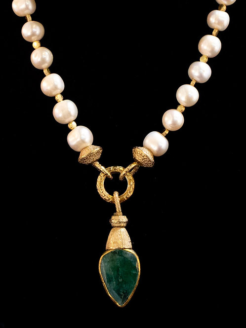 Pearl Necklace with Green Agate Drop