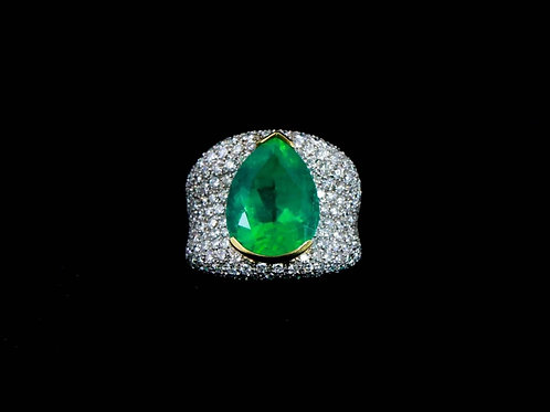 Emerald Teardrop Ring