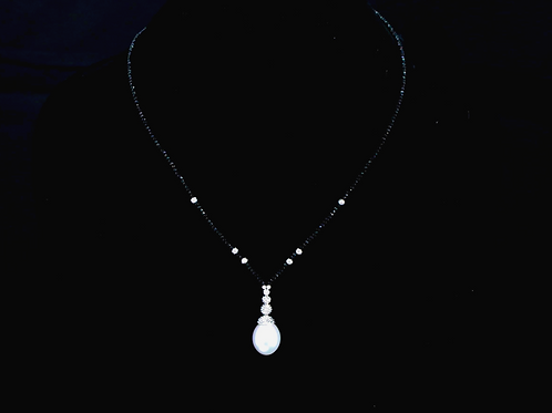 Pearl Necklace with Black Spinel Beads