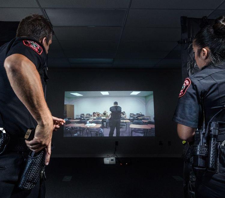 Virtual Pro Shooting Range 2 Shooters