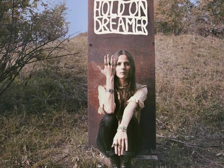 Frøkedal - 'Hold On Dreamer'