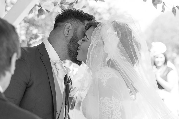 Lisa Lloyd Wedding Photography--3.jpg