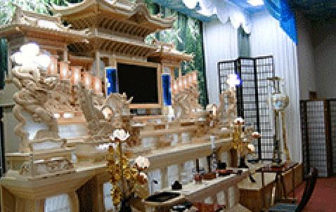 ライトホール祭壇.jpg