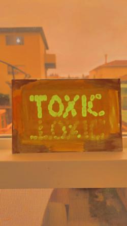 toxic (2020)