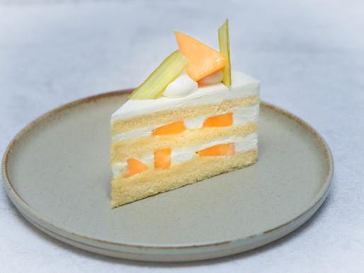 「涼」をテーマとする夏のケーキ。3品目