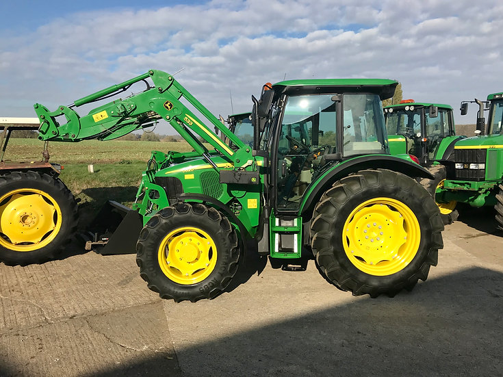 JOHN DEERE 5620 with 533LD ONLY 750Hrs