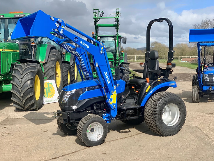 Solis 26HST with Loader