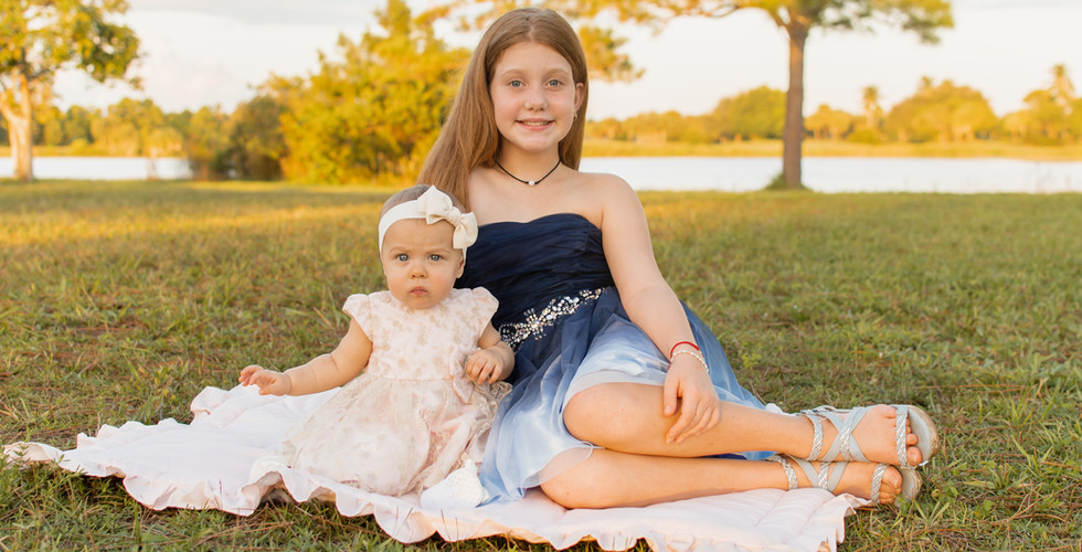 Siblings girls